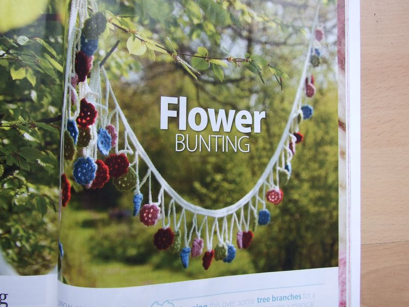 Inside Crochet Flower Bunting (1)