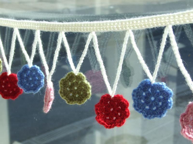 Inside Crochet Flower Bunting (6)
