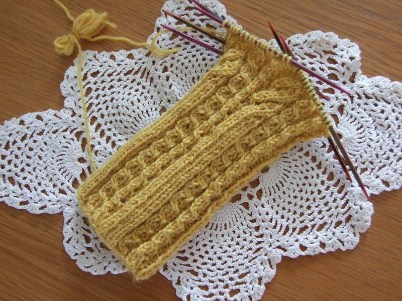 Butterscotch Socks pattern by Rachel Coopey The Knitter 001