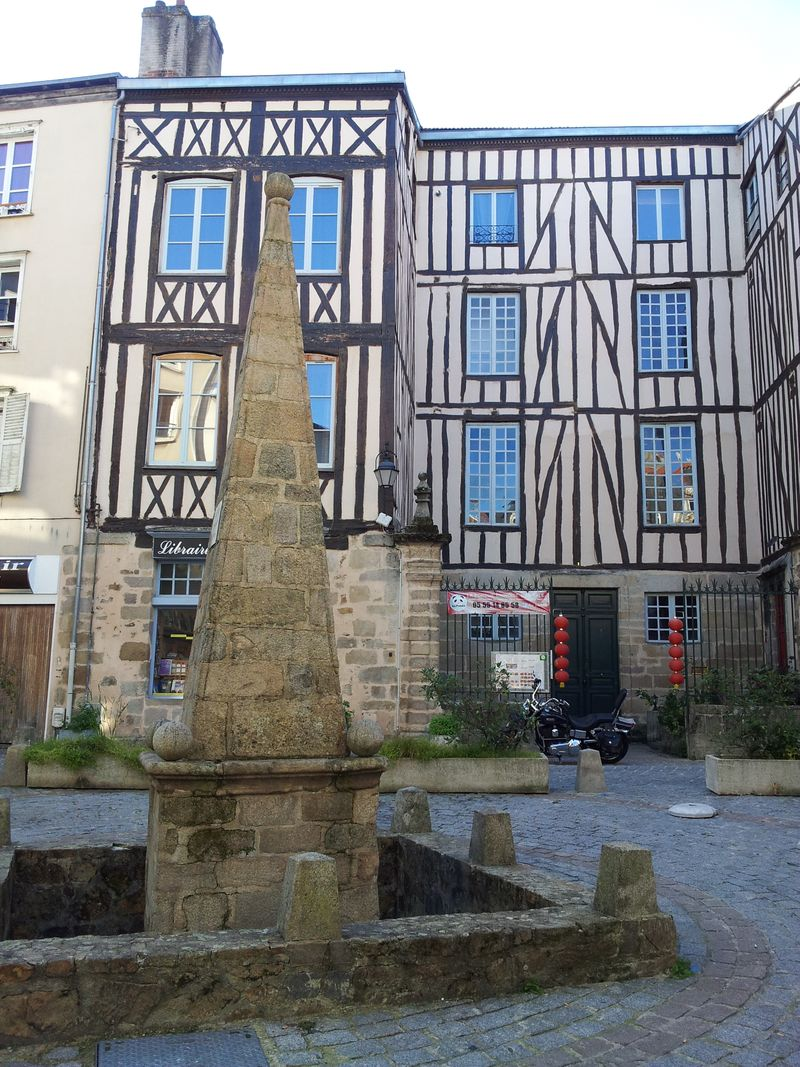 Limoges oct 2015 town & knitting 003